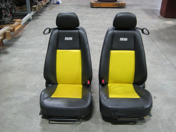 2006 chevy cobalt ss front lh rh side bucket seats black. Black Bedroom Furniture Sets. Home Design Ideas
