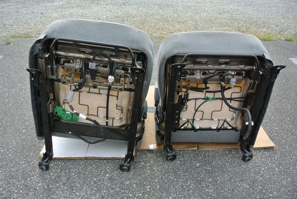 2006 Toyota Tacoma Driver  Passenger Side Front Bucket Pair